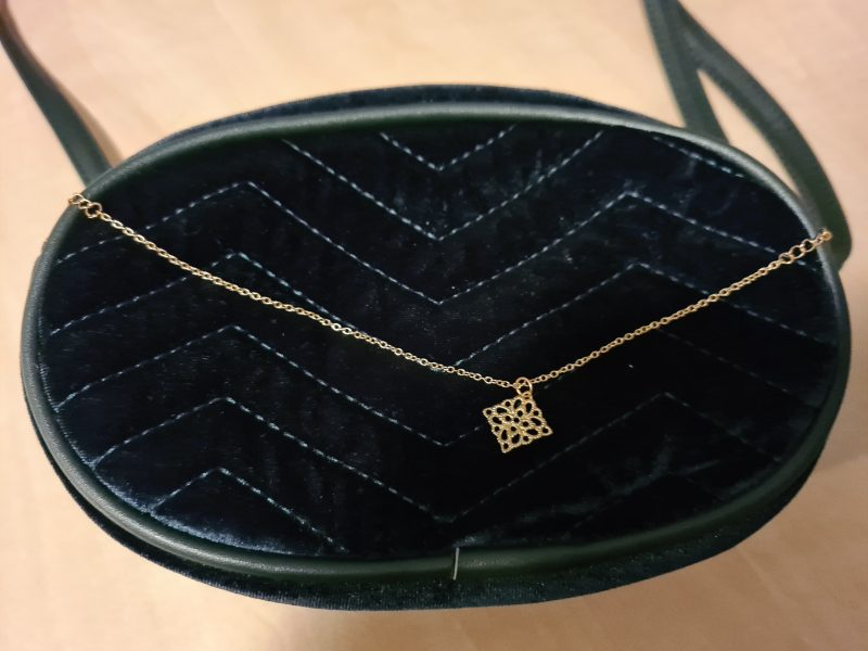 Tas green touch of gold