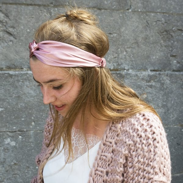 roze haarband satijn